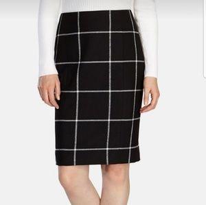 🆕️Karen Millen Black and white check pencil skirt